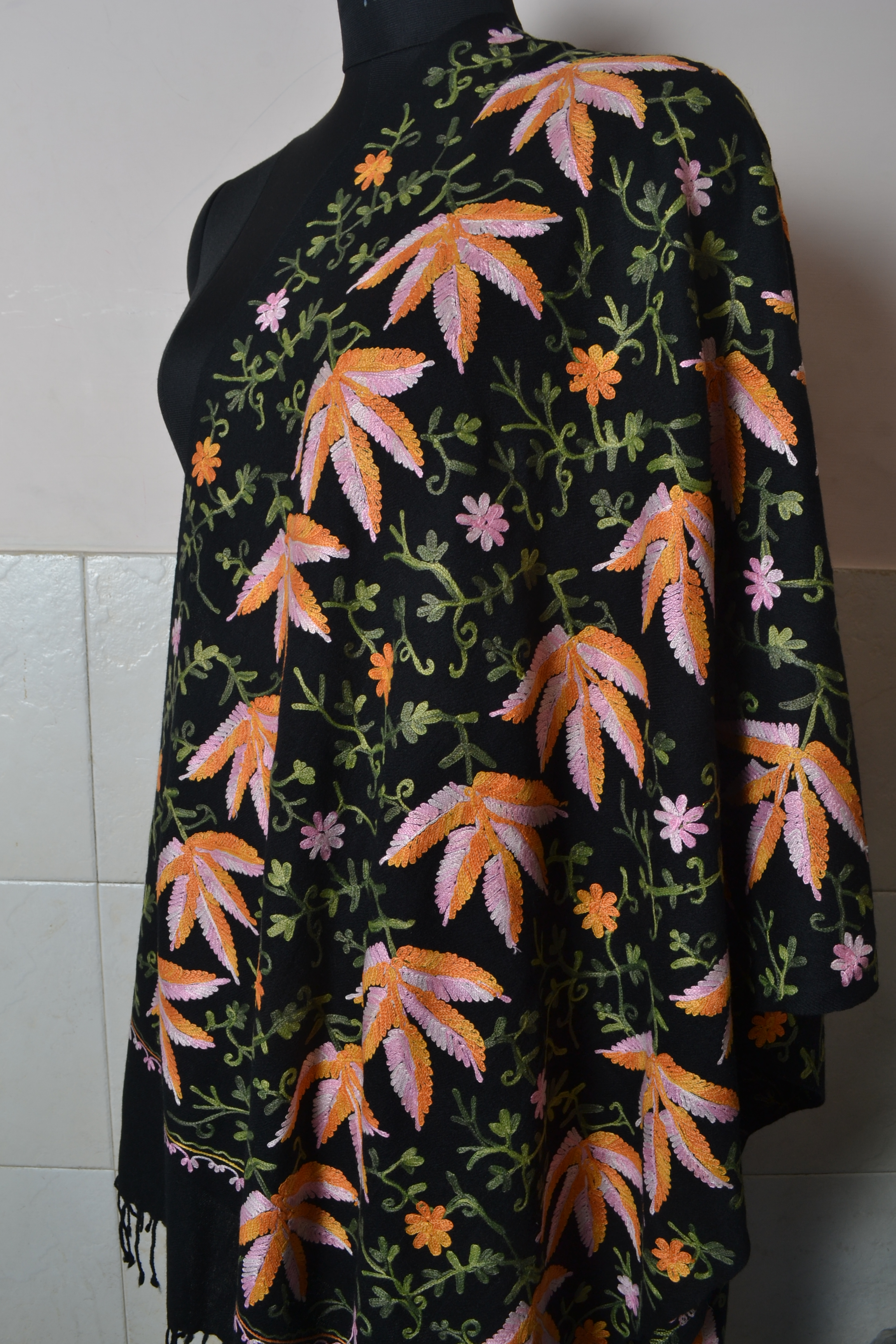embroidered shawl 11 - *CompetiioN mAy 201o*