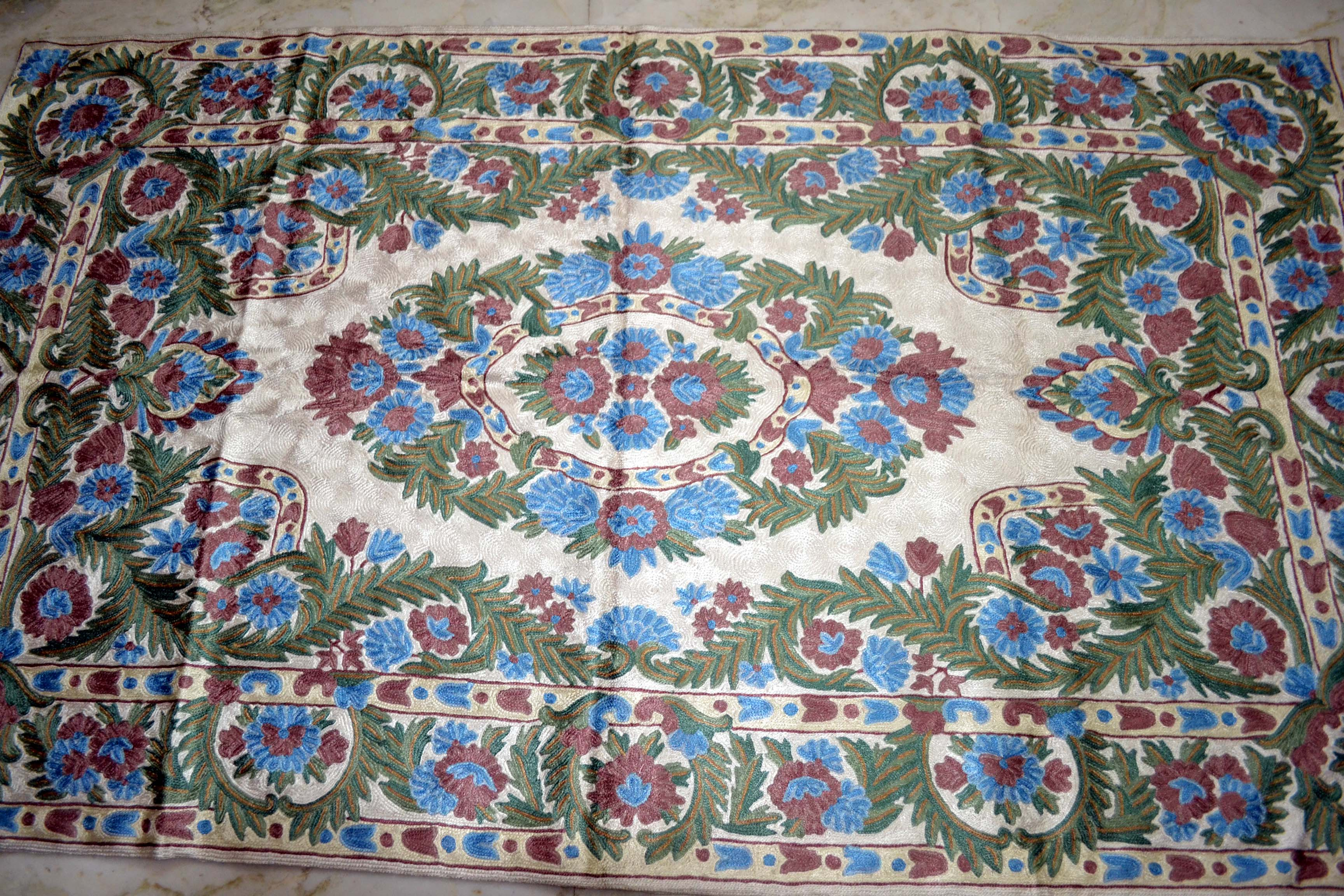 Kashmiri Rug Embroidered Chainstick Carpet Pashmina